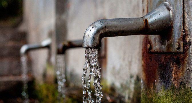 Van contra tomas ilegales de agua (El Siglo de Torreón)