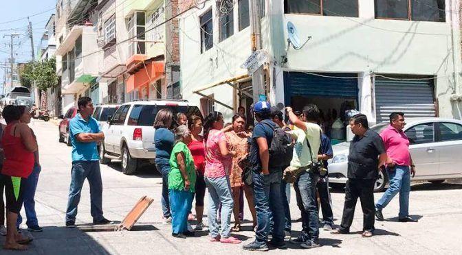 Guerrero: Más de tres horas de bloqueo por falta de agua (El Sol de Acapulco)