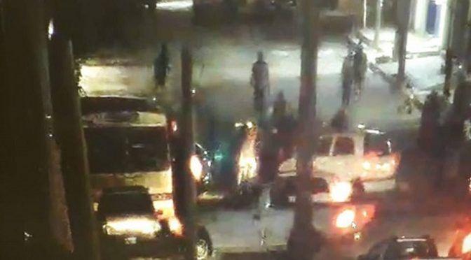 Vecinos bloquean avenida de Ecatepec por falta de agua (Milenio)