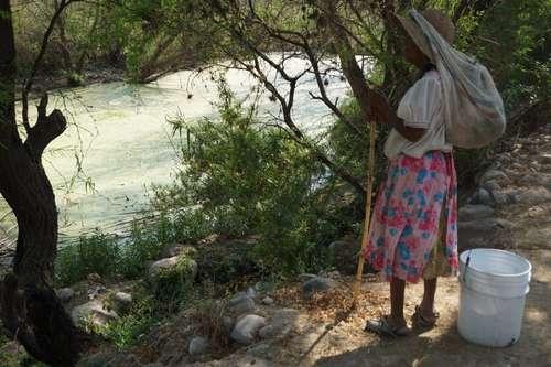 Hidalgo: Pobladores de Ixmiquilpan subsisten con aguas residuales (La jornada)