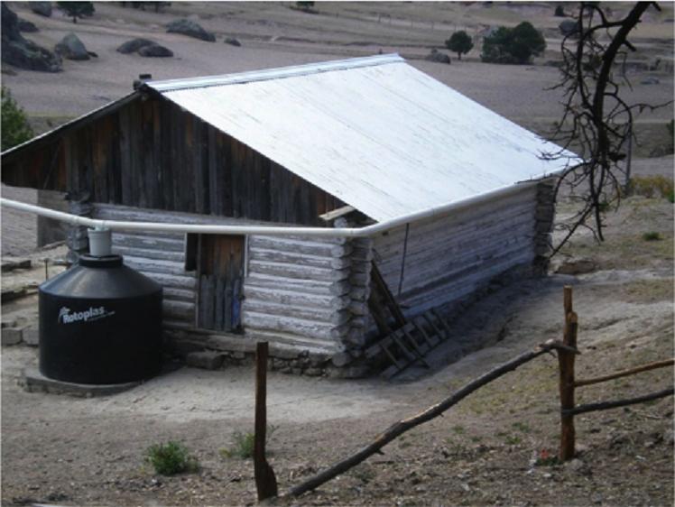 Cosechar agua con sistemas recolectores en hogares (infografía)