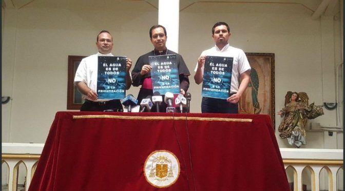 """""""Es ridículo y vergonzoso que un país civilizado piense en privatizar el agua"""": arzobispo de San Salvador (La Prensa)"""