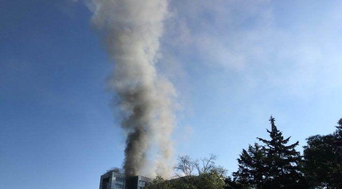 Se incendia el edificio sede de la Comisión Nacional del Agua (Diario Presente)