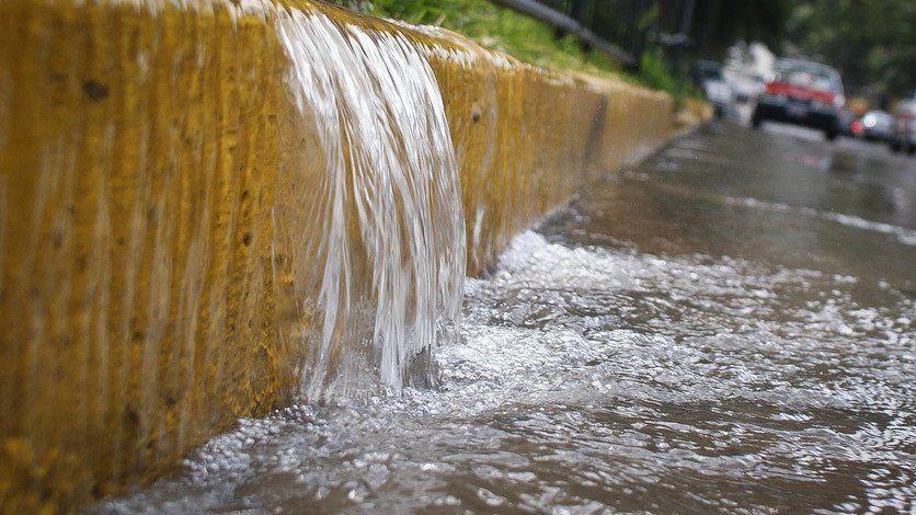 Sin multas por tirar agua en el municipio de Torreón (El Siglo de Torreón)