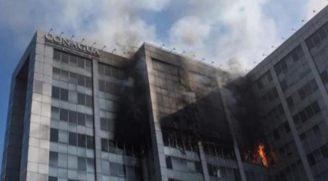 CDMX: Levanta sospechas incendio en edificio de Conagua; se perdieron de fiscalización (La silla rota)