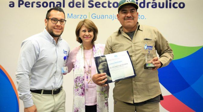 Guanajuato:Reconoce CEAG a personal del sector hidráulico (zona franca)