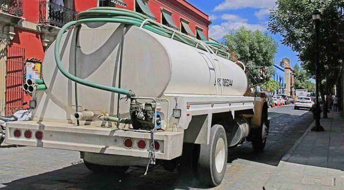 Escasea el agua en Oaxaca y piperos hacen festín (NVI noticias)