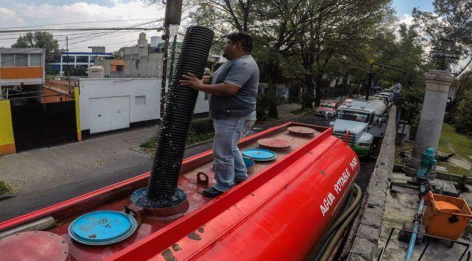 Sheinbaum anuncia operativo y compra de pipas contra la escasez de agua en zonas de la CDMX (sinembargo.mx)