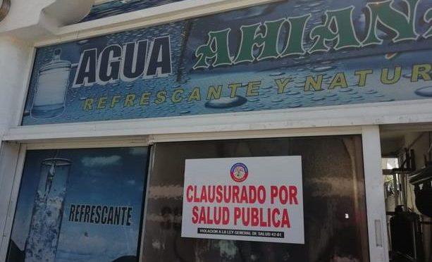 Salud Pública cierra tres plantas procesadoras y distribuidoras de agua en Santo Domingo Este (Hoy Digital)