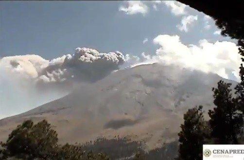 Volcán Popocatépetl registra nueva exhalación de 400 metros de altura (Televisa)