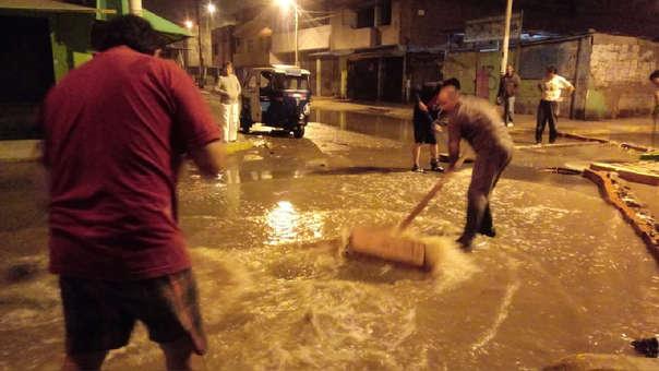 Lima: El río Surco se desbordó e inundó calles y viviendas en Chorrillos (RPP)