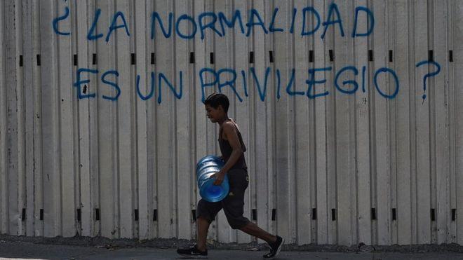Crisis en Venezuela: por qué la falta de agua es más grave (y peligrosa) que los cortes de electricidad (BBC)