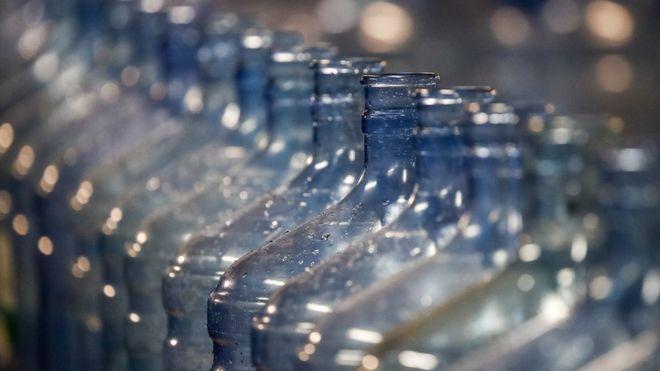 Mexico: Denuncias de arsénico en el agua mineral Peñafiel: ¿qué riesgos para la salud tiene el consumo de esta sustancia? (BBC)