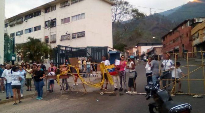 Manifestantes en Altagracia piden restablecimiento del servicio de agua (El Nacional)