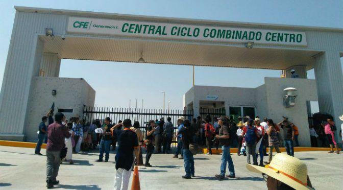 Morelos: Protestan campesinos afuera de termoeléctrica de Huexca (Aristegui Noticias)