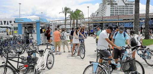 España: Un turista de hotel consume al día tres veces más agua que un crucerista (UH noticias)