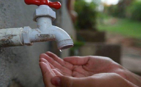 Habitantes denuncian falta de agua en varios estados del país (Pacozea)
