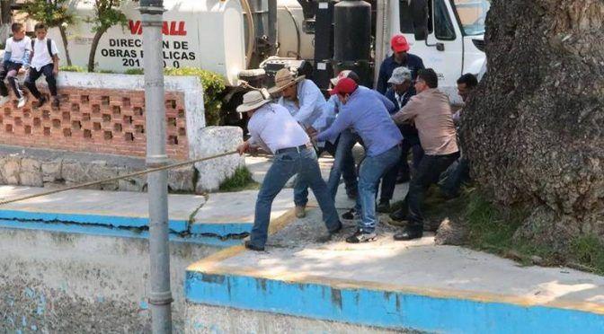 Hidalgo: Limpian manantiales y espejos de agua (El Sol de Hidalgo)