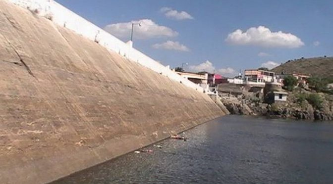 San Luis Potosí: Pide CEA a Mexquitic prohíba paso a presa (El Sol de San Luis)