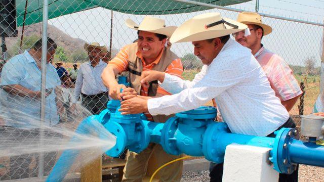 Michoacan: Inaugura Roberto Pantoja planta de agua potable en San Lucas  (Mi Morelia)