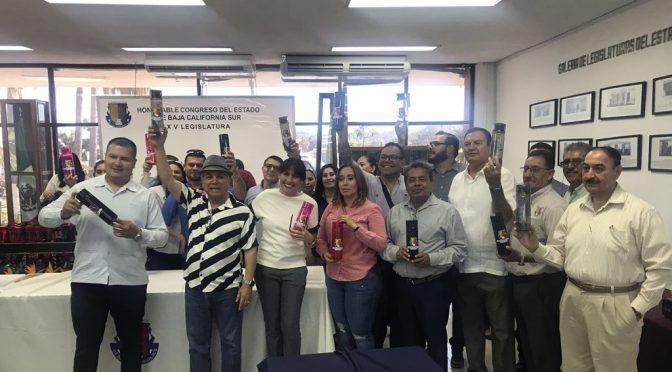 Baja California Sur: Congreso  ya no comprará botellas de agua; repartirán envases y pondrán dispensadores (bcs noticias)