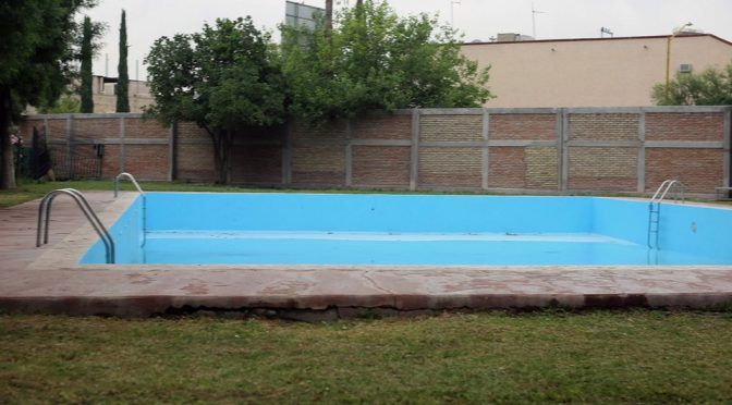 Durango: No hay agua en Lerdo pero festejarán a los niños con brincolines acuáticos (Milenio)