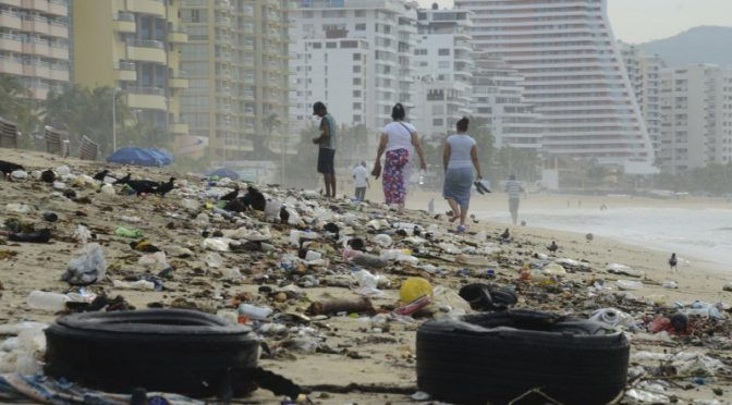 Guerrero: Recolectan 90 toneladas de basura diarias en playas de Acapulco por Semana Santa (Noticieros Televisa)