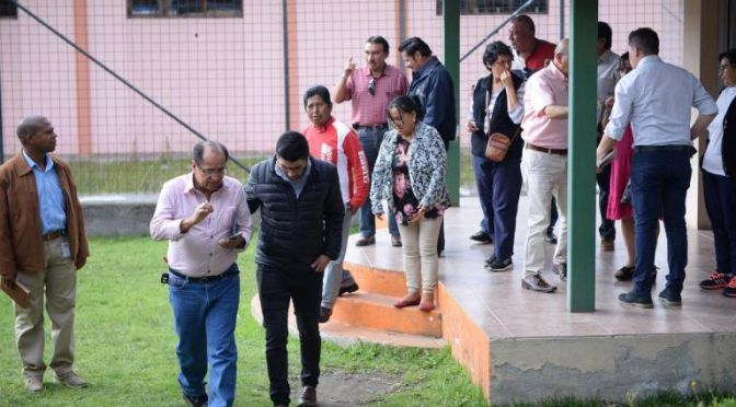 Moradores de Carapungo piden respuestas por falta de agua (Extra)