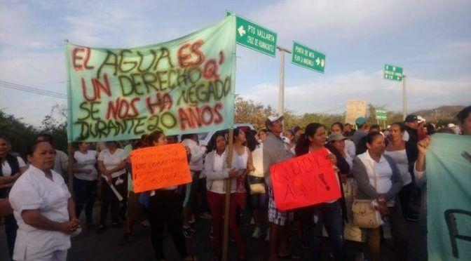 Nayarit: dos pueblos luchan por agua contra grupo hotelero (Plumas Atómicas)