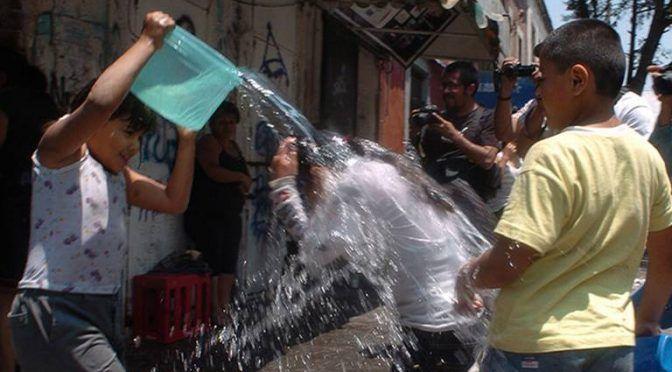 San Luis Potosí: multas de hasta 40 salarios mínimos para quien desperdicie agua el Sábado de Gloria (El Sol de San Luis)