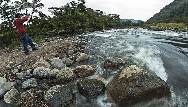 Veracruz: Consumen agua de dudosa calidad (La opinión de poza rica)