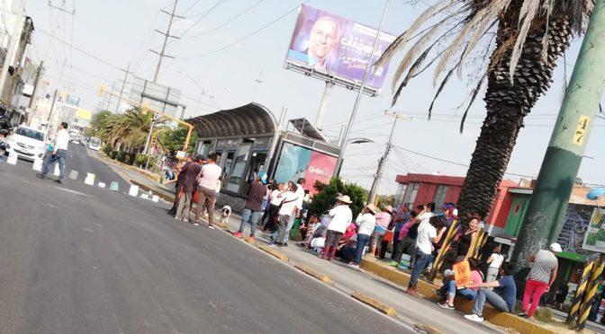 Puebla: vecinos de la colonia Morelos bloquean la Diagonal por falta de agua (Milenio)