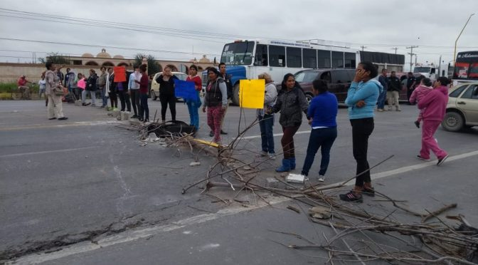 Coahuila: bloquean vialidad en demanda de agua (El Siglo de Torreón)