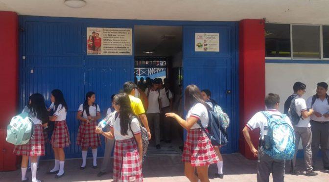 Coahuila: Alumnos llevan sus botellas con agua por desabasto (El Siglo de Torreón)