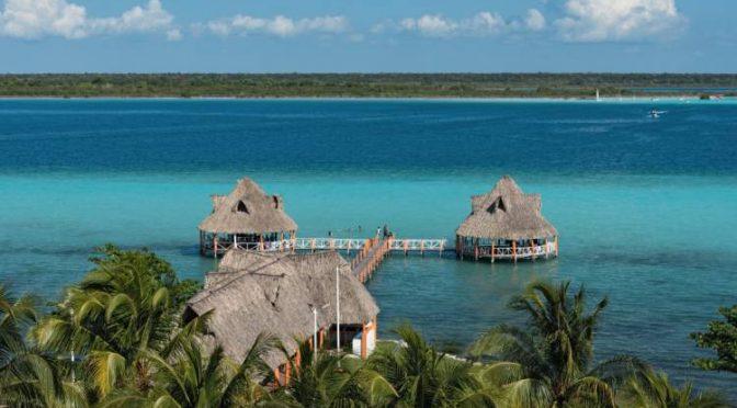 Quintana Roo: Por contaminación la laguna de Bacalar está perdiendo sus siete colores (W Radio)