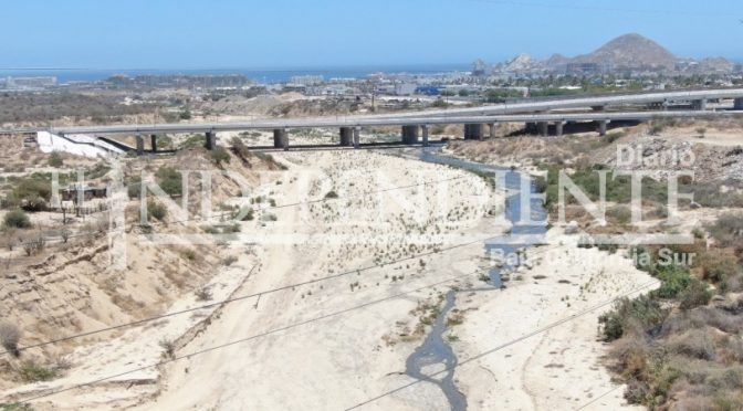 Baja California Sur: Grave contaminación de arroyo El Salto Seco en Cabo San Lucas (El Independiente)