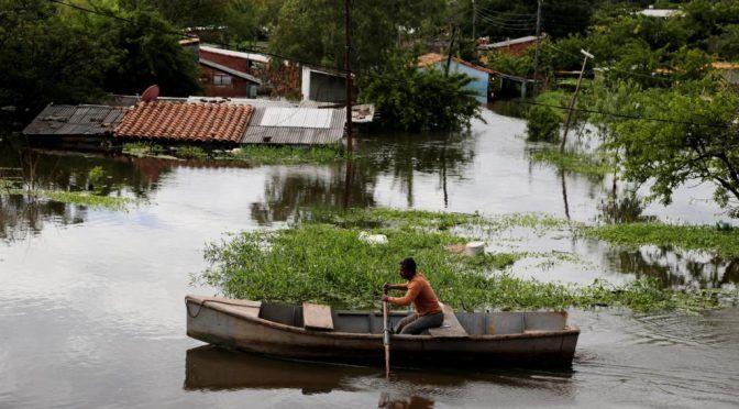 Paraguay: ¿Hasta cuándo seguirá creciendo el agua? (RFI)