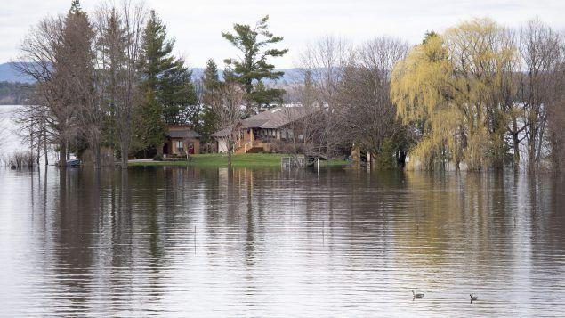 Canada: Sigue alerta por inundaciones en Ontario (RCI)