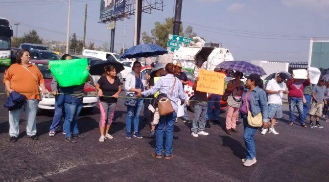 Estado de México: con bloqueo carretero, vecinos de Huehuetoca exigen agua potable (La Jornada)