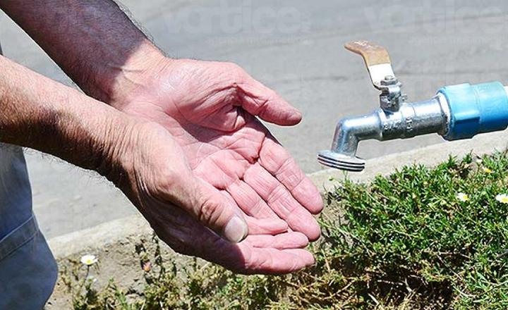Jalisco: Por altas temperaturas algunas colonias presentan escasez de agua potable (Tráfico)