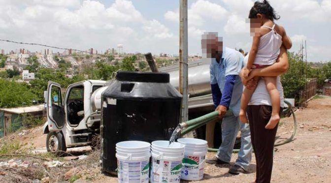 Sinaloa: ya son 35 comunidades a las que se le lleva agua en pipas por estiaje (Linea Directa)