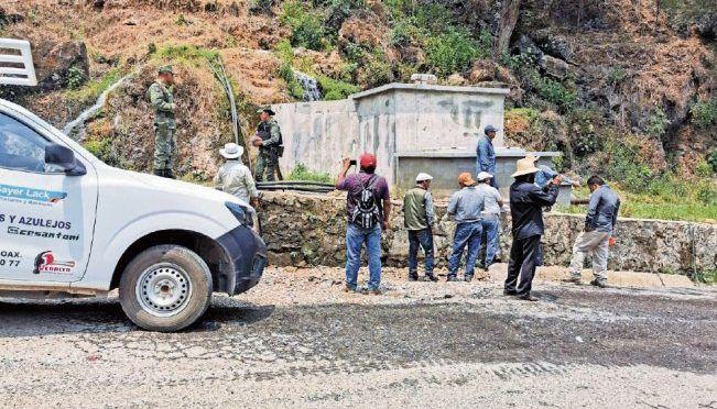 Oaxaca: Inician reconexión de red de agua en municipios mixes (El Universal)