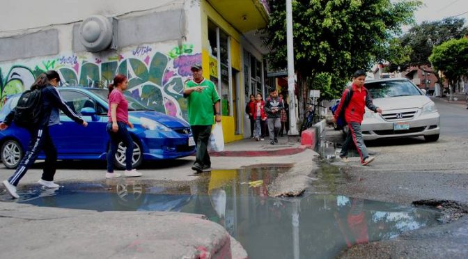 Baja California: Afectan aguas negras a alumnos y negocios (El Sol de Tijuana)