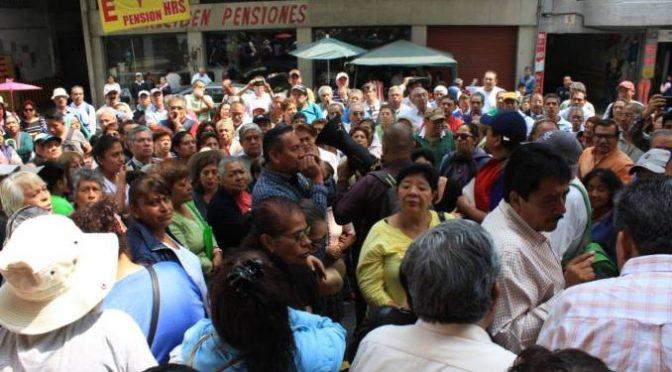 CDMX: vecinos de la alcaldía Álvaro Obregón exigen abasto de agua potable por tandeo y cuota fija (Paco Zea)