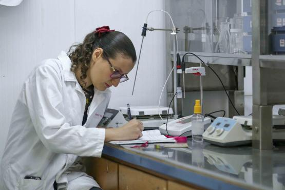 Jalisco: Académico crea producto para purificar agua (Unionjalisco)