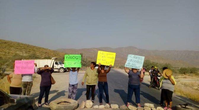 Durango: bloquean carretera para exigir agua potable en Lerdo (Noticias del Sol de la Laguna)