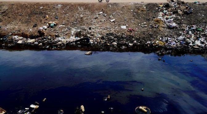 Baja California: Contaminan con aceite dren en el Valle (El Imparcial)