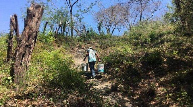 San Luís Potosí: escasea el agua en localidades rurales, habitantes se abastecen de pozos (El Sol de San Luis)
