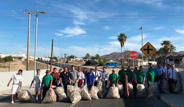 Baja California: El equipo de RIU Hotels en Baja California retira 800 kilos de basura de Arroyo Seco para evitar que lleguen al mar (Notiamérica)