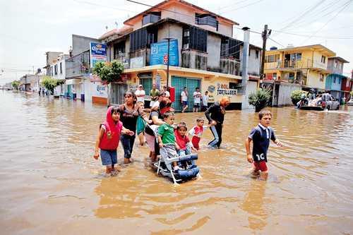 Naucalpan: 18 mil personas viven en puntos de riesgo de inundación (La Jornada)